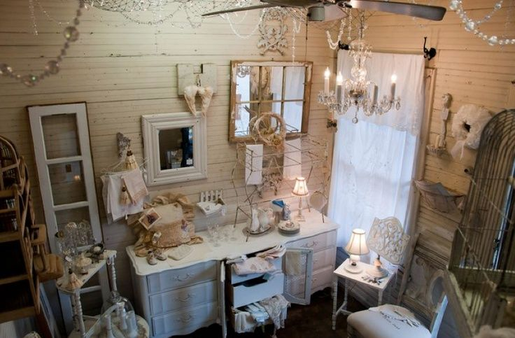 vintage booth display   Great Antique booth display   Shabby Chic