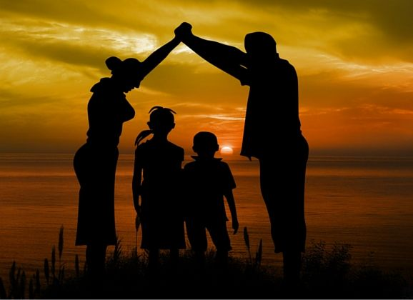 BECOME A TEAM WITH YOUR FAMILY! THE IMPORTANCE OF COLLABORATION FOR A GREATER CONNECTION