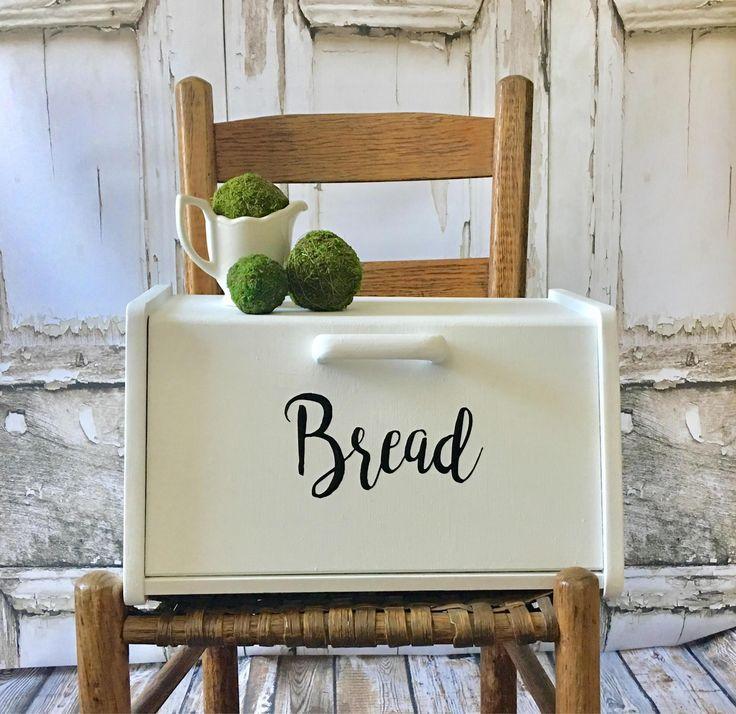 Country Kitchen Bread: Vintage Bread Box, White