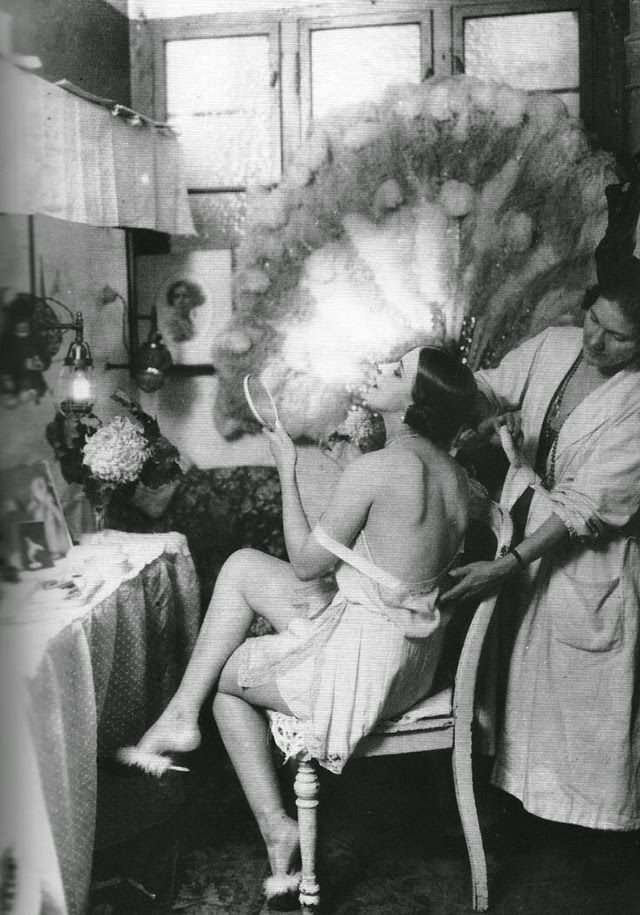 Berlin cabaret dancer in 1925