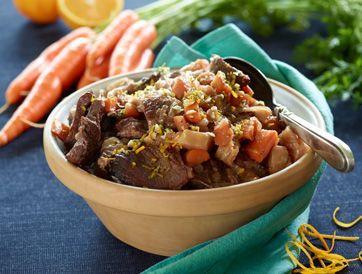 Frysemad: Kalvegryde med vin og krydret drys   Lækker gryderet inspireret af osso buco, men her med appelsinskal