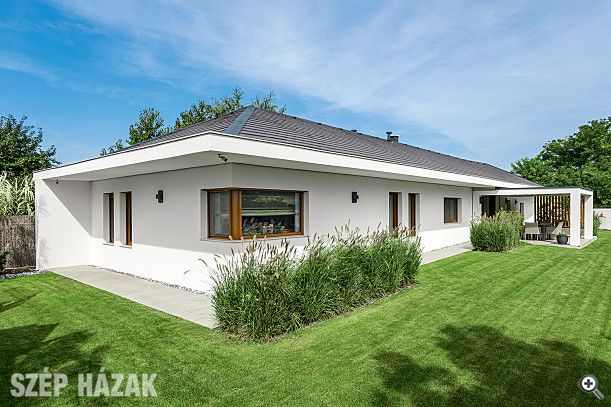 Az építészeti alkotások megvalósításánál gyakran közbeszól az élet. Ez esetben a tervek elkészülte után, így a ház mégsem épülhetett meg az eredeti településen.