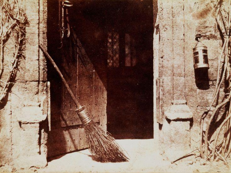 William Henry Fox Talbot - The Open Door 1844-013