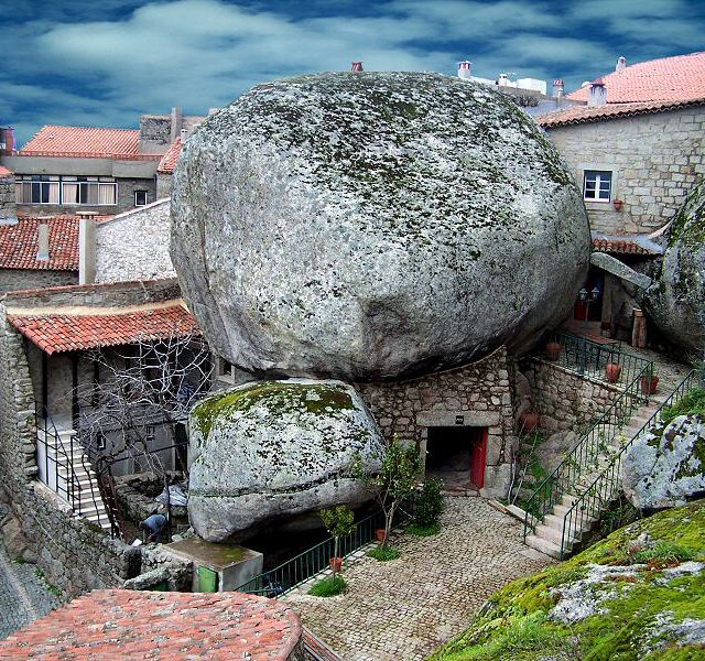 That's a big rock: Building, Buckets Lists, Real Life, Rocks Houses, Beautiful Rocks, Stones Houses, Medieval Time, The Village, Portugal