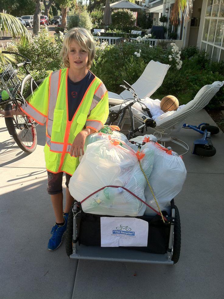 Vanis es un niño de California, #EstadosUnidos, que a los 7 años fundó su propia empresa de #Reciclaje llamada MyReCycler. Hoy tiene 11 y es la cabeza de una empresa que recicla 24 toneladas de basura al año y, además, ayuda a niños en situación de calle. Acciones ejemplares por el #MedioAmbiente #MundoVerde Imagen vía http://goo.gl/mF0Ptx