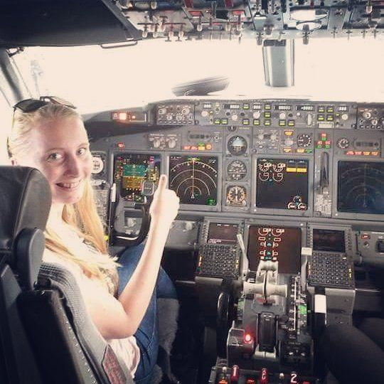 Boeing cockpit visit on the ground, yeaah! :) #lifetimeexperience #inthecockit #captainseat #dreamcametrue #thanksryanair #afterlanding #bestcrewever #followmyblogformore #nextstopabroad