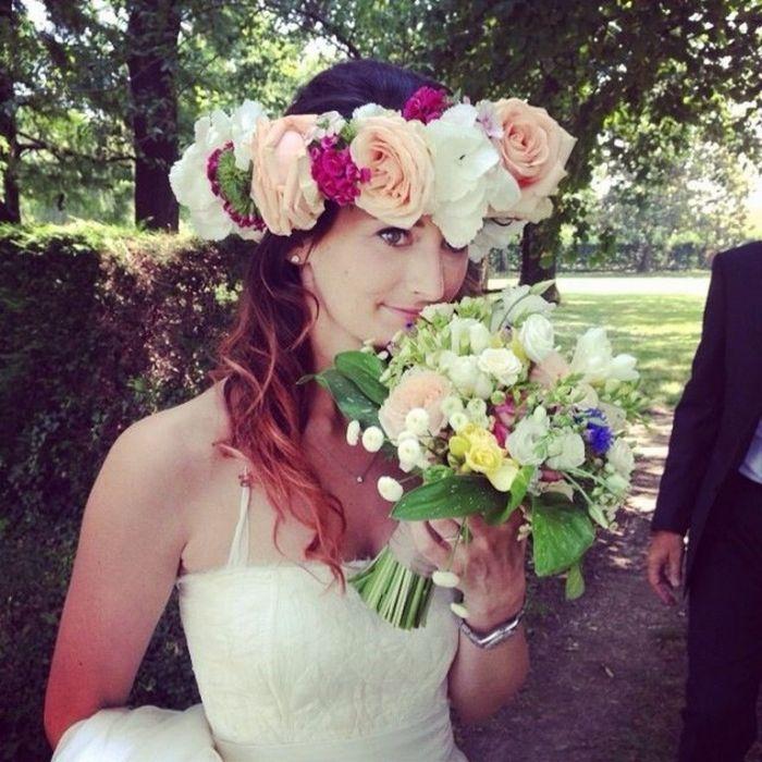 """Matrimonio civile presso agriturismo """"Costa Vecchia"""". Fiori utilizzati: astri, solidago, matricaria, erbe aromatuche, gypspphila, limonium, hydrangea"""