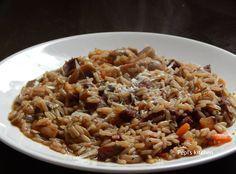 Ριζότο με χωριάτικο λουκάνικο και λαχανικά http://laxtaristessyntages.blogspot.gr/2015/02/rizoto-me-xoriatiko-loukaniko-kai-laxanika.html