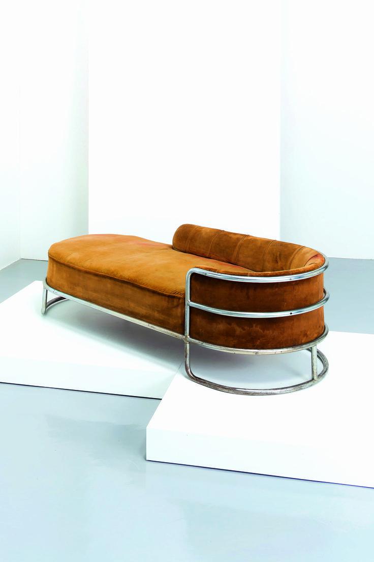 GIUSEPPE DE VIVO - Chaise longue, De Vivo 1935. Velvet tan couch  @Coveteur