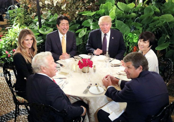 Trump questions whether Japan's first lady can speak English | The Japan Times | photo: Akie Abe (right) attends dinner with U.S. President Donald Trump, Prime Minister Shinzo Abe and Trump's wife Melania at Mar-a-Lago Club in Palm Beach, Florida, on Feb. 10. | REUTERS