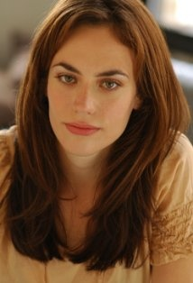 Maggie Siff Tara sons of anarchy I am in love with this bitches hair in the first season lol