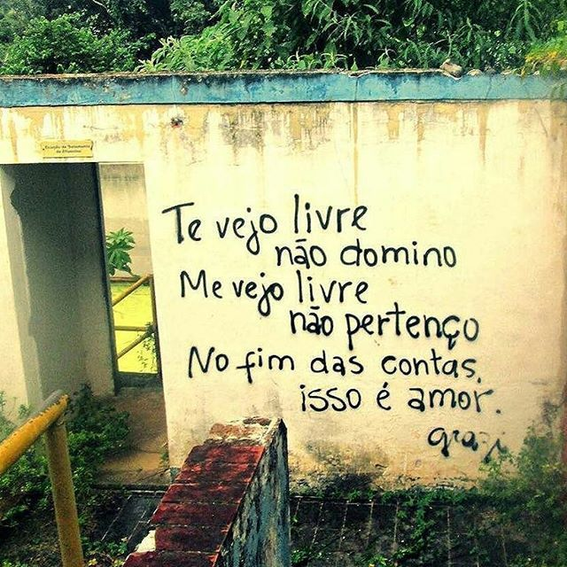 #Repost @luademarevazia #movimentoamorlivre #amorlivre✨ #amorlivre♥ #amorlivre #amoreslivres #grazi #liberdade #amor #liberdadedeamar #todoamorébonito #maisamorporfavor #poesianosmuros #olheosmuros...