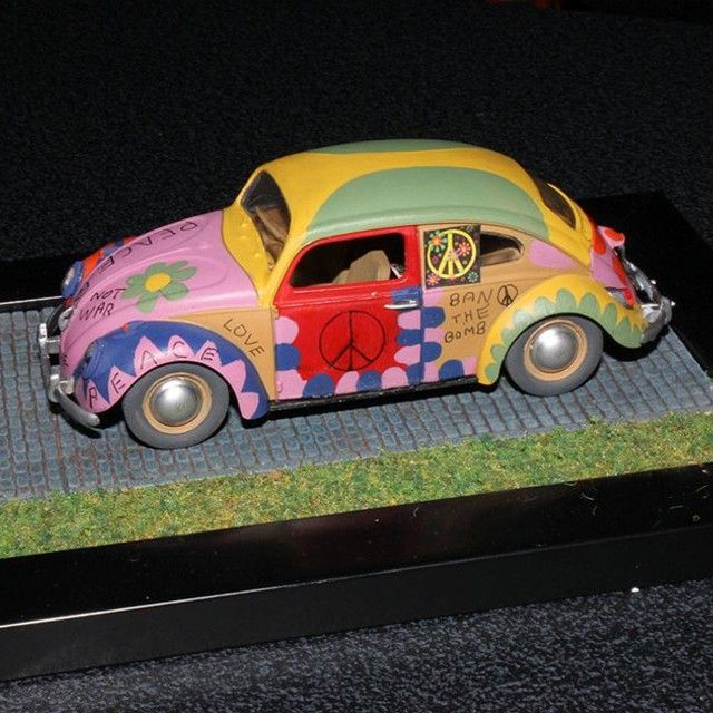 Nice!!! VW Beetle Make over!!! Modeler Alex Crawford #scalemodel #hobby #miniatura #modelismo #modelism #vw #beetle #fusca #scalemodelkit #maqueta #maquette #modelisme #miniature #diorama