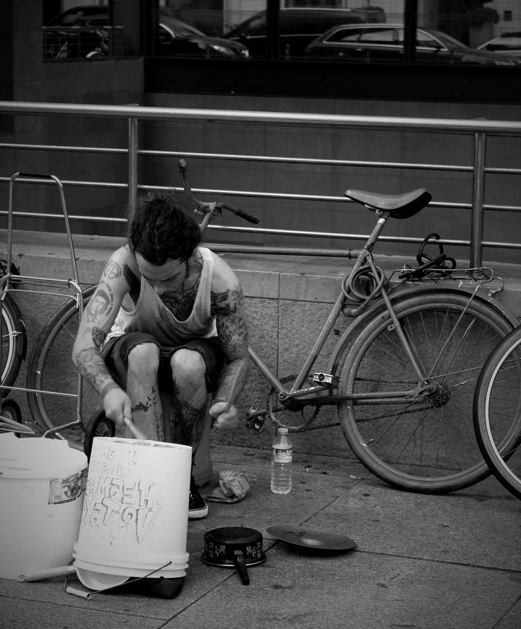 Urban noise #streetphotography #inberlin #nybphoto 📷:NyitraiBeatrix
