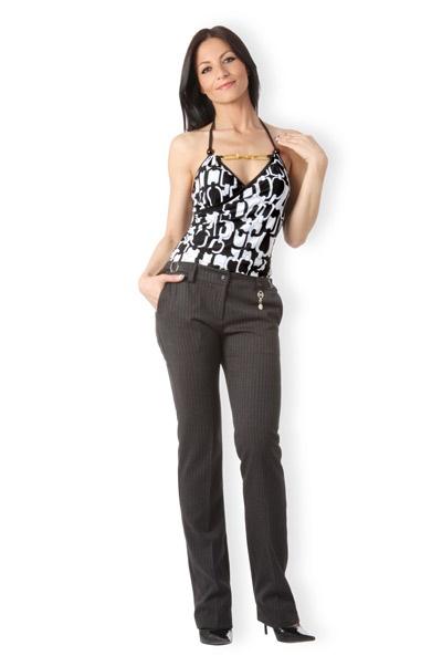 Abbigliamento da Donna  http://www.abbigliamentodadonna.it/pantaloni-gessato-eleganti-p-560.html Cod.Art.000680 - Pantaloni gessato eleganti a vita bassa e con taglio stretto ed aderente a sigaretta per un look perfetto ed alla moda.