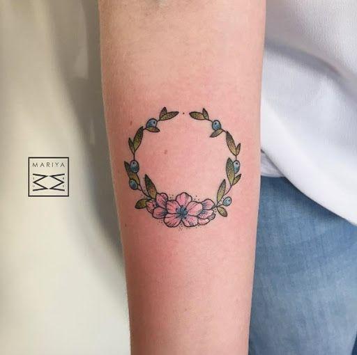 Esta coroa de flores http://tatuagens247.blogspot.com/2016/09/fabuloso-feminino-tatuagem-de-ideias-de.html