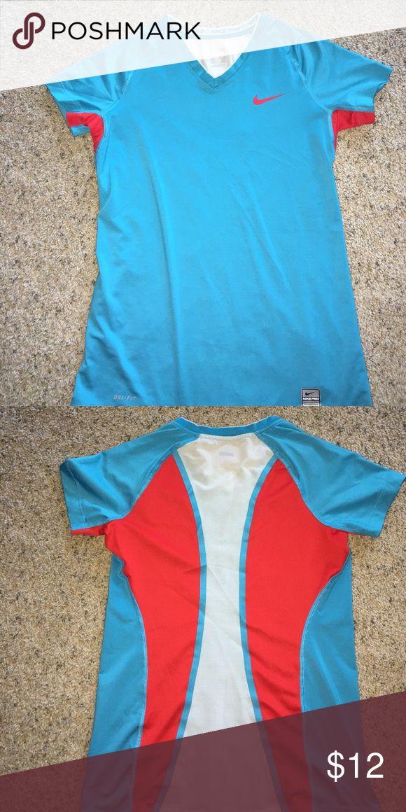 Women's Nike Pro short sleeve top Women's Nike Pro short sleeve top size small. Great condition! Nike Tops Muscle Tees