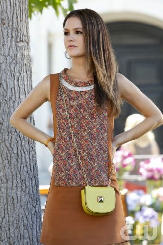 """Hart of Dixie -- """"Always on My Mind"""" -- Pictured: Rachel Bilson as Dr. Zoe Hart. Photo: Greg Gayne/The CW -- © 2012 The CW Network. All Rights Reserved."""