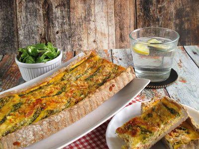 NoCarb spárgás piteMaradt ki egy pitére való tésztám és most ez készült belőle, egyszerű reggeli vagy vacsora ötlet, idény salátával akár ebédre is, tetszőlegesenvariálható, spenóttal,brokkolival is nagyon finom!A tészta receptjeittTöltelék: