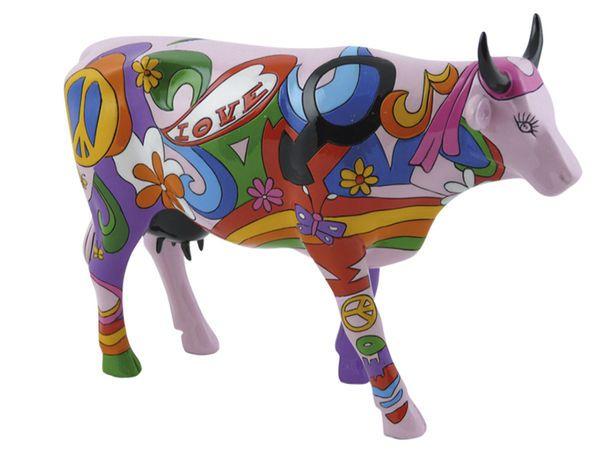 Оригинальный мастер-класс по росписи Коров - это творческий экшн, погружающий и детей и взрослых с мир живой природы. На мастер-классе каждый сможет стать настоящим художником-авангардистом и создать свое творение - дизайнерскую корову в натуральную величину.