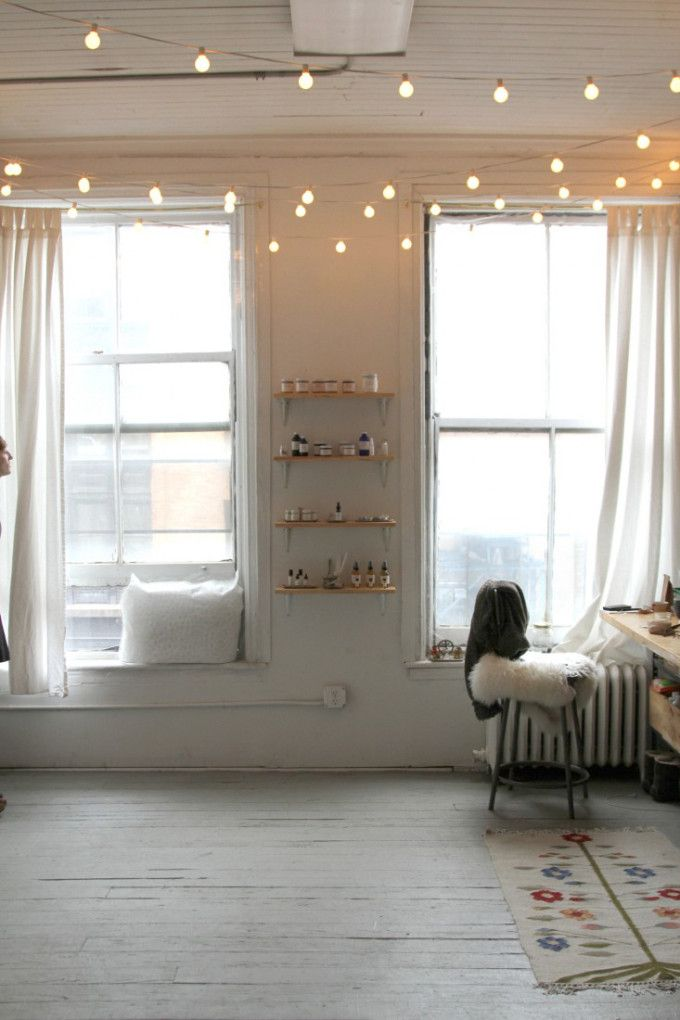 17 best ideas about apartment string lights on pinterest string lights dorm college dorm. Black Bedroom Furniture Sets. Home Design Ideas