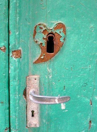 Lasciamo sempre aperta la porta del cuore…
