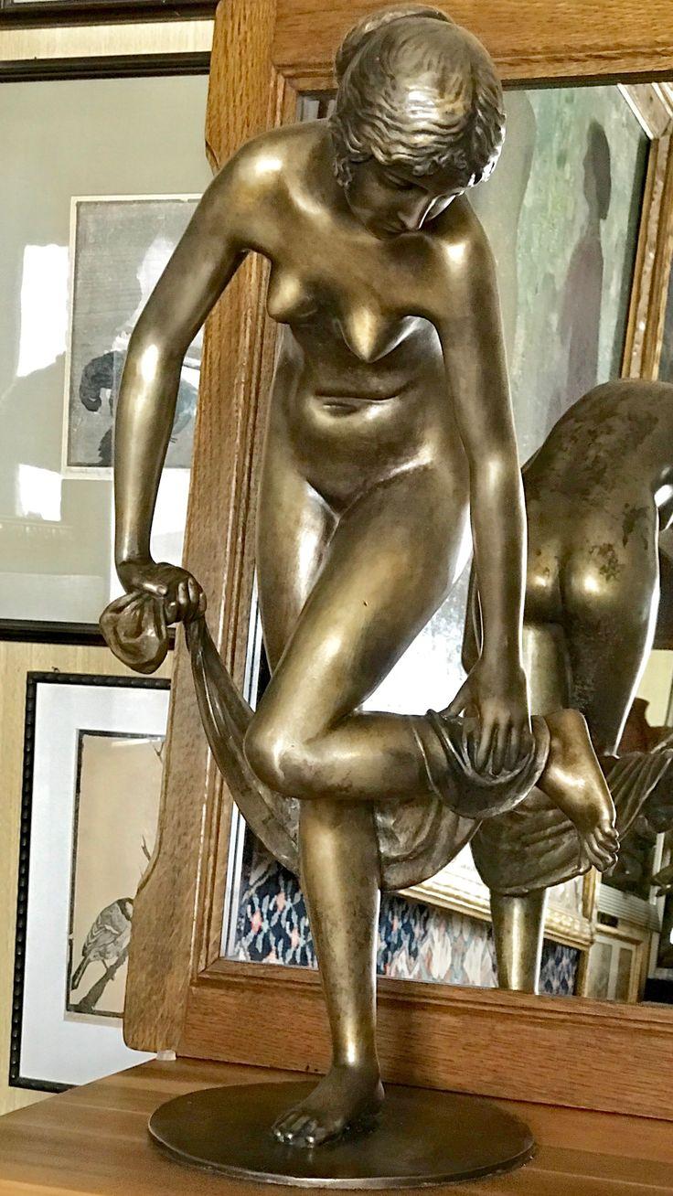 """Peterich paul , 1864-1937 , NACH DEM BADE  . Signiert : """" Paul Peterich  """" , Gießermarke : """" FOND. : ART LAGANA NAPOLI """".  Peterich hatte seinen Wohnsitz von  1907-1914 in Florenz."""