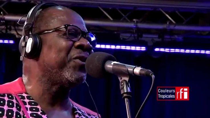 "Rumba : Papa Wemba chante ""Ma Rosa"" dans Couleurs Tropicales sur #RFI"