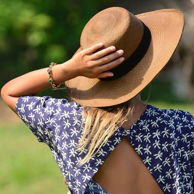 .@Anita Marshall-Ale Ics Brasil | Leve o estilo balneário para todos os lugares.  Aproveite o feriado!  #balneá... | Webstagram