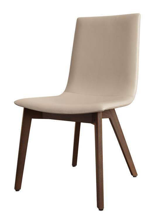 Een comfortabel feestmaal, daar ga je best eens goed voor zitten. De nieuwste D27 eetkamerstoelen van Hülsta zitten super comfortabel dankzij de meeverende rugleuning. Daarnaast zijn ze vederlicht. De stoel is verkrijgbaar in vier verschillende modellen, met of zonder armleuningen, in leer of hoogwaardig textiel, en op twee onderstelvarianten in verschillende uitvoeringen.  D27 stoel van Hülsta. Vanaf € 489. #wishlist #Christmas14 #present #gift