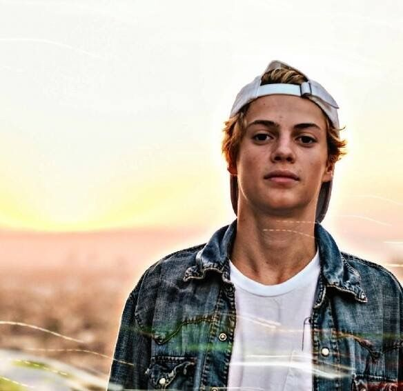 I Don't Know If It's Wrong For Me To Say This But Jace Norman From Nicklodeon's Henry Danger is Such a Cutie. and His Real Name is Jason That's What He Tweeted on Twitter on May 28, 2016 The Nickname For Jason is Jace and He Loves Kittens So Do I But I'm More Of a Dog Person.