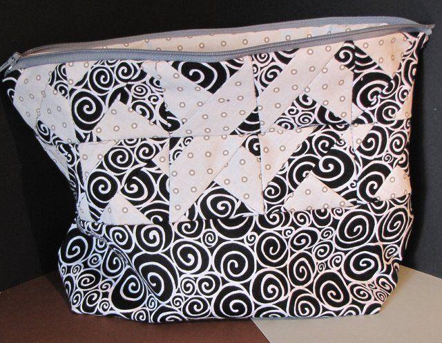 "Täschchen/bag ""Interpunktion"", 21 x 19 x 8cm"