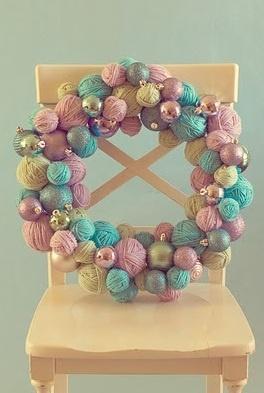 YARN BALL & ORNAMENT WREATH TUTORIAL...I <3 this!    http://www.lifethroughthelensblog.com/2010/11/yarn-ball-ornament-wreath-tutorial.html