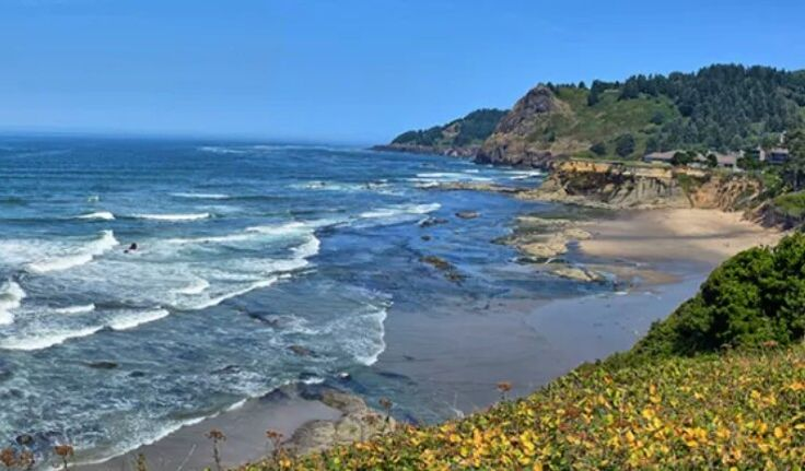 Otter Rock 25 Minutes South of Lincoln City, Oregon. From ...