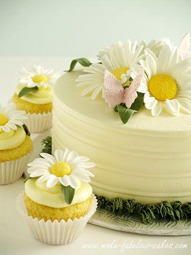 Daisy cake- decorating tutorial plus links to lemon chiffon cake and buttercream frosting: http://www.make-fabulous-cakes.com/daisy-cake.html