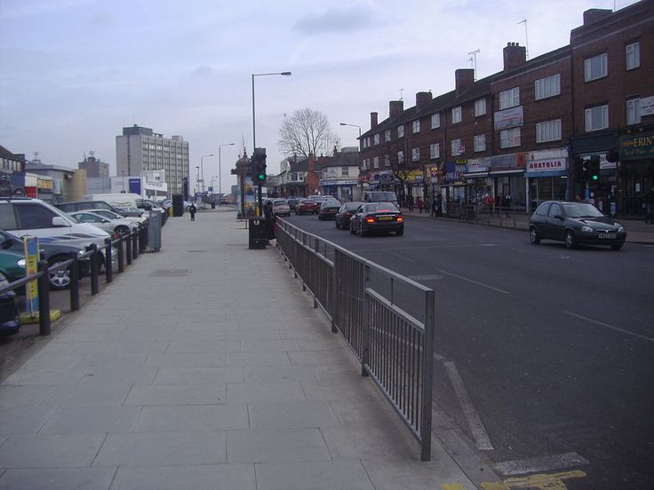 Edgware Road, (Watling street A5) at Colindale, just 2 miles from Burnt Oak travelling towards Central London.....(Central London would be about 8 miles from here).