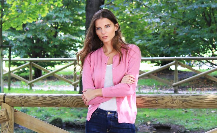 A classic luxuriouse cashmere cardigan for all season. This photo was taken on a beautiful fall day in Parco Sempione, Milan
