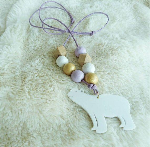 White POLAR BEAR pendant  wooden beads necklace  von ZanaZelephant