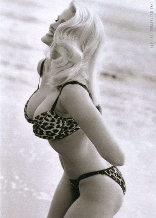 Anna nicole in a bikini
