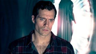 Superman's Black Suit Revealed in Justice League Deleted Scene - At long last, Superman's often discussed black suit from Justice League has been revealed via a deleted scene that has surfaced online. During the production of Justice League, there were persistent rumors, in part propagated by Henry Cavill himself, that the iconic black Superman suit was going to appear in the movie. Alas, that never came to pass. However, we now have proof that the suit was originally supposed to appear in…