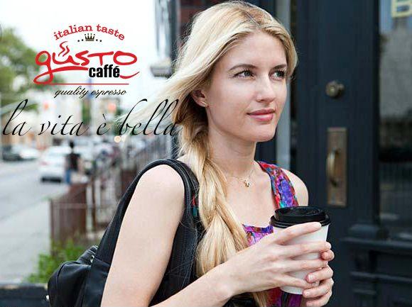 la vita a bella #espresso  #woman #coffee to go #gusto