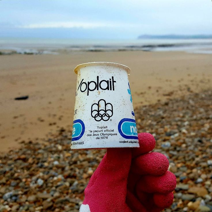 When you clean a beach and find a Yoplait dating from the 1976 OLYMPICS #eco