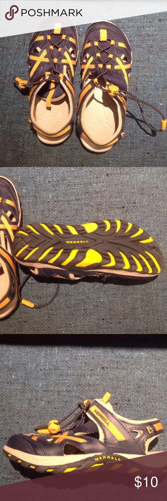 Merrill Boy's Waterpro Shoes Worn once - Waterpro Skip Kids great for beach shoes or lake.  Non-marking sole - built to get wet. Navy/yellow Waterpro Skip Kids Merrill Shoes Water Shoes