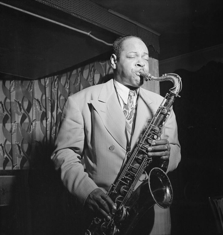 Coleman Hawkins (1904-1969), saxophoniste exceptionnel, fiat la transition entre le swing et le bebop, fin des années '40. Il a joué avec Fletcher Henderson, Thelonius Monk, Miles Davis, etc...