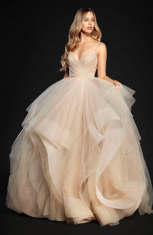 V-Neck Princess/Ball Gown Wedding Dress with Natural Waist in Tulle. Bridal Gown Style Number:33533118