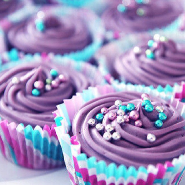 Pretty colors! I want to find these sprinkles