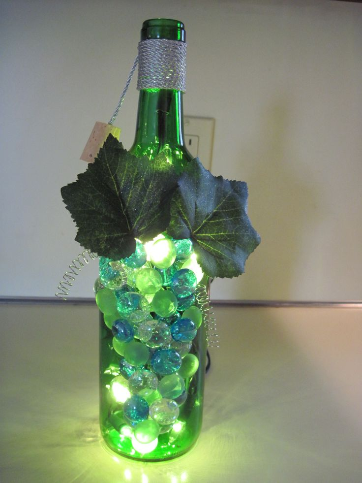 Wine bottle lamp craft ideas pinterest crafts for Champagne bottle lamp