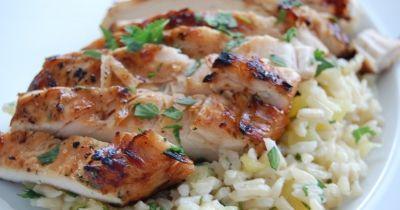 Fűszeres csirkemell rízzsel | Femcafe