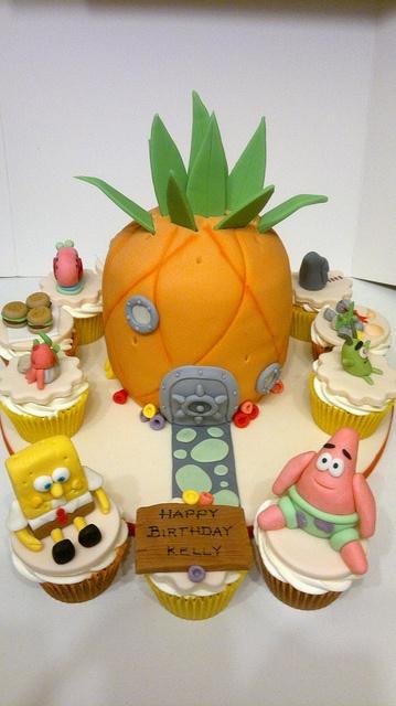 How To Decorate Spongebob Cupcakes | Spongebob Squarepants Pineapple Cake and Character Cupcakes | Flickr ...