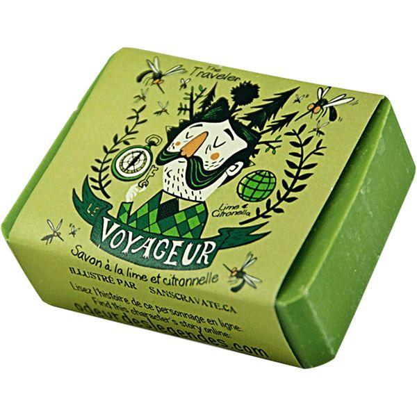 Savon naturellement antibactérien, fameux pour le plein air et les voyages.  Fragrance de lime et citronnelle.  Ingrédients : Huile d'olive, eau, huile de coco...